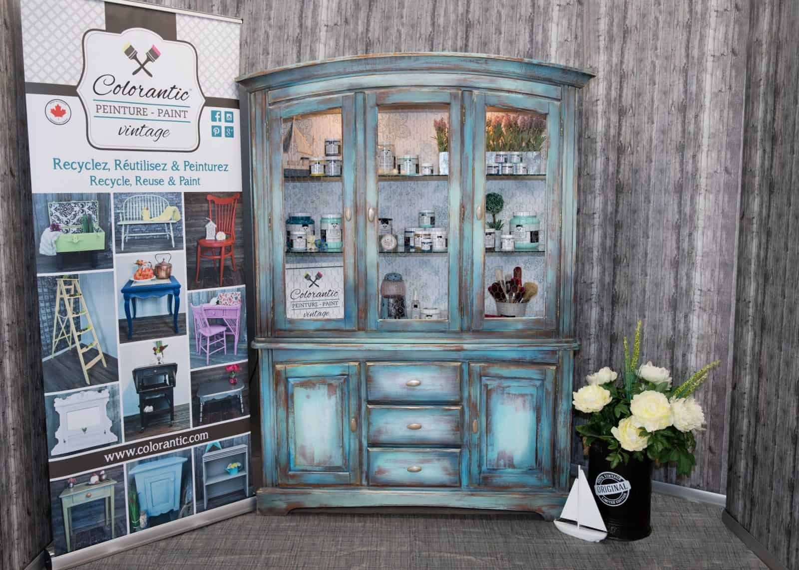 Paint a hutch with Colorantic chalk based paint and Benedicte