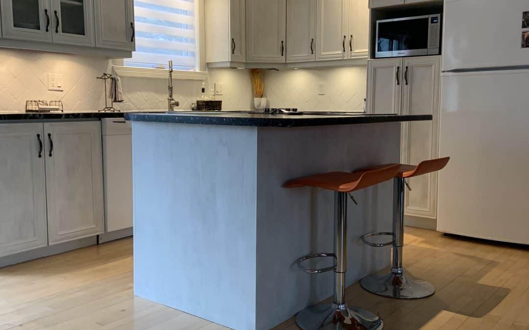 Comment repeindre des armoires de cuisine avec la peinture Colorantic