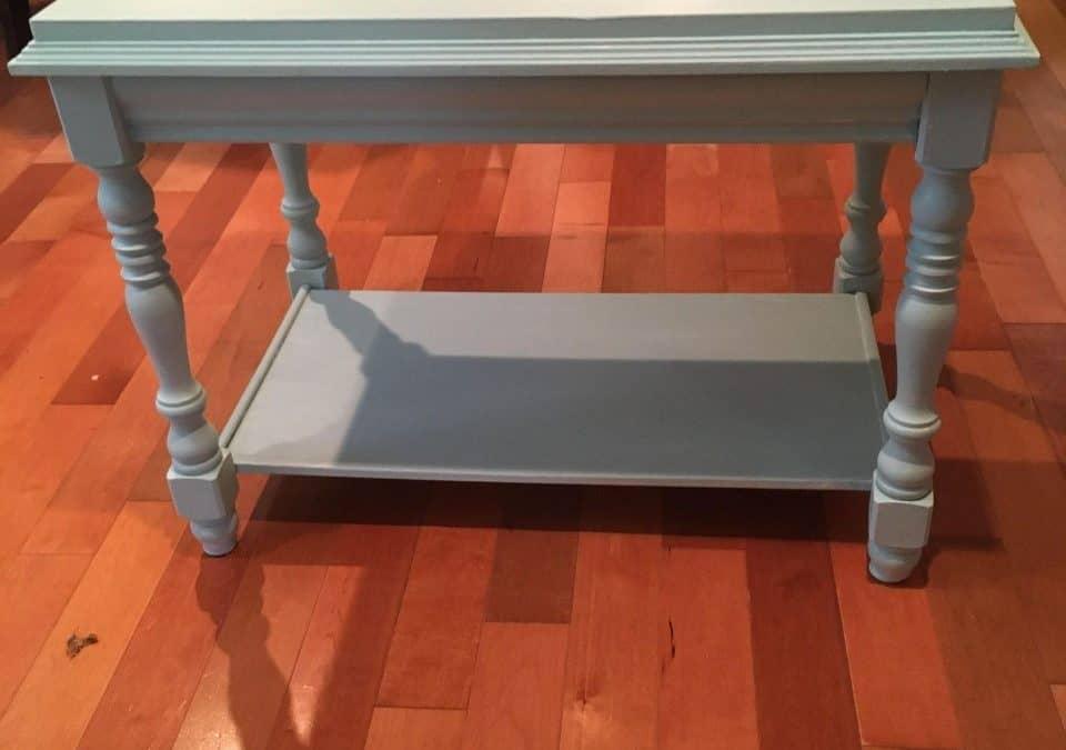 Comment revaloriser une table de salon avec la peinture à la craie Colorantic